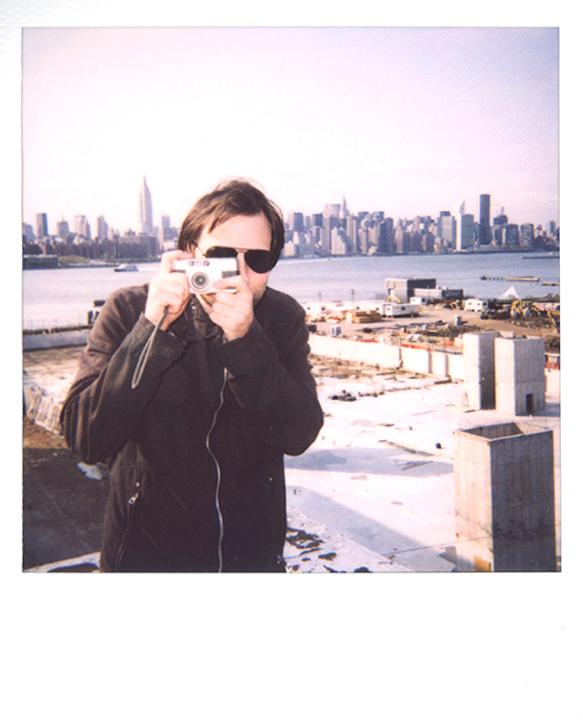 Exhibition News Oskar Landi - Photographer, Oskar Landi, against background of NYC