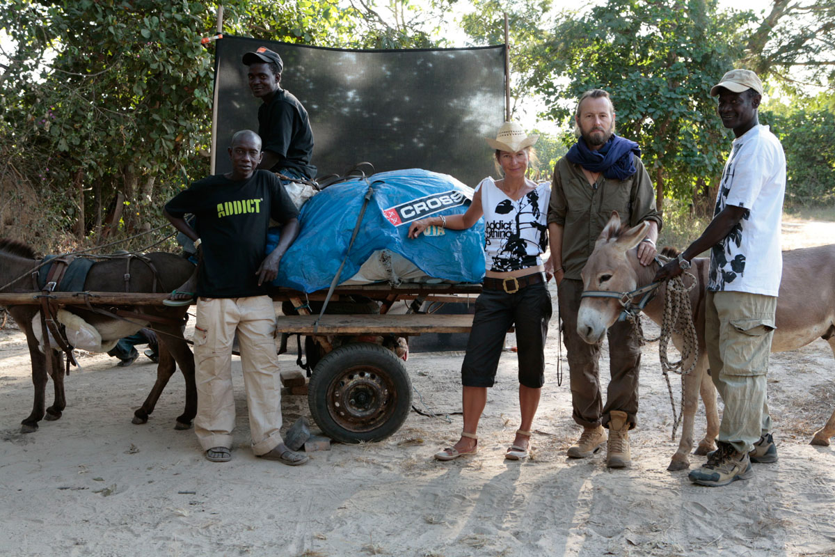 The expedition team - post walk: Momadou (on the donkey cart), Samba, Helen, Jason, Janneh - with Neil and (P)Hadley, our trusty donkeys