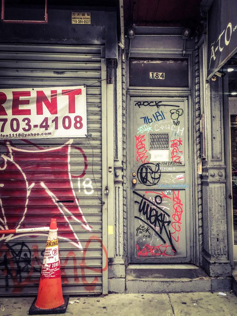 #DisappearingNewYork: Store to rent, with graffiti - Lafayette St, Chinatown, Lower Manhattan, NYC © Helen Jones-Florio