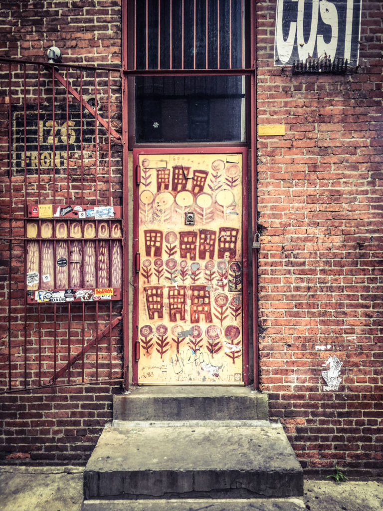 #DisappearingNewYork: Art door, Front St, Dumbo, New York © Helen Jones-Florio